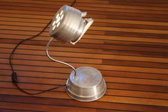 lampen selbst gebaut aus weggeworfenem material leuchten aus veloteilen lampen pinterest. Black Bedroom Furniture Sets. Home Design Ideas