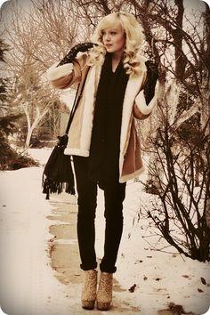 camel coat - black lace gloves