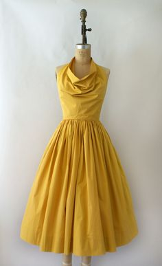 Claire McCardell- a sunny colour, a fabulous style