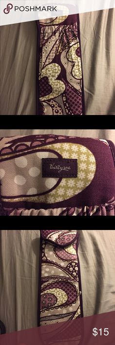💖NEW listing! Thirty one hair straightening case Brand new. Never used. Beautiful case to hold your hair straightener. Thirty-One Accessories Hair Accessories