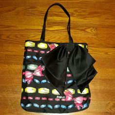 Brighton  'Take a baeu bow tote' bag Has button closure and one zippered pocket inside with two smaller pockets for cell phone or misc. objects. In great condition. Brighton Bags Totes