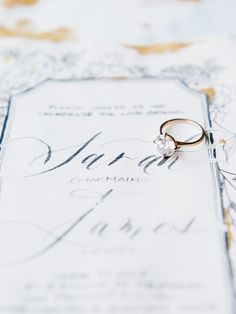 Photography : Tenth & Grace Read More on SMP: http://www.stylemepretty.com/2016/12/16/glittery-gold-inspiration-for-the-winter-bride/
