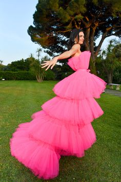 Kendall Jenner's Voluminous Pink Dress Looks Sort of Like a Loofah, but in a Really Pretty Way - Kendall Jenner's Voluminous Pink Dress Looks Sort of Like a Loofah, but in a Really Pretty Way Source by ralfwoelk - Tulle Dress, Pink Dress, Dress Up, Trajes Kylie Jenner, Modelos Fashion, Kendall Jenner Style, Gala Dresses, Mode Outfits, Stylish Outfits