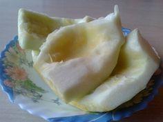 Tekvicové halušky s tvarohom, cibuľkou a slaninou (fotorecept) - obrázok 2 Honeydew, Dairy, Cheese, Fruit, Food, Basket, Honeydew Melon, Hoods, Meals