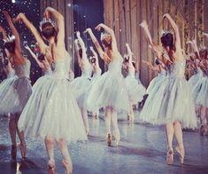 "englishballetandtea: ""ABT Snowflakes in the Nutcracker. Photo by Elina Miettinen(?) "" englishballetandtea: ""ABT Snowflakes in the Nutcracker. Photo by Elina Miettinen(? Bailarina Vintage, Princesa Tutu, Alonzo King, La Bayadere, Baguio, Ballet Photography, Fitness Photography, Princess Aesthetic, Ballet Dancers"