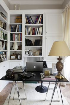 Arbeitszimmer einrichten Anyone who works in the home office must set up a study in order to be able Home Office Design, Home Office Decor, Home Decor, Office Organization At Work, Office Ideas, Office Set, Home Office Furniture Desk, Office Interiors, Decoration