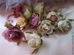 Броши ручной работы. Мелкая роза для декора.Цветы из шелка. Шелковая модница. Ярмарка Мастеров. Брошь из шелка, детские украшения