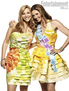 EW's 'Romy and Michelle' reunion: Own Lisa Kudrow and Mira Sorvino's Post-It dresses! We know you loved seeing Romy and Michele's High School Reunion co-stars Lisa Kudrow and Mira Sorvino together. Romy And Michelle, Mira Sorvino, School Reunion, Image Of The Day, Celebs, Celebrities, Portrait Photo, Dress Making, Just In Case