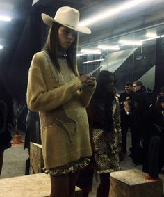 Dior Clutch, Student Fashion, Claudia Schiffer, Irina Shayk, Vintage Levis, Cashmere Sweaters, Cowboy Hats, Lifestyle, Model