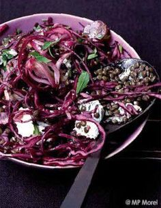 Green lentil salad and red cabbage with raisins for 4 people - Recipes . Delicious Vegan Recipes, Raw Food Recipes, Vegetable Recipes, Vegetarian Recipes, Cooking Recipes, Green Lentil Salad, Green Lentils, Pesco Vegetarian, Red Cabbage