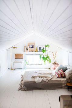 Unutterable Attic bedroom windows,Attic renovation ideas and Attic remodel birmingham. Attic Bedroom Designs, Attic Bedrooms, Attic Design, Bedroom Loft, Bedroom Decor, Interior Design, Bedroom Ideas, Interior Ideas, Bed Design