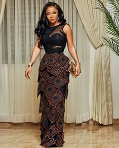 Toke Makinwa- Pulling Attention In Owanbe Out Jumpsuit Images, Dress Images, African Lace Styles, African Style, Zara Designer, Sexy Outfits, Cool Outfits, Casual Gowns, Ankara Gown Styles