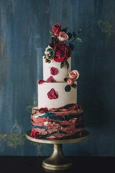37 Eye-Catching Unique Wedding Cakes - deep violet tones weave in and out of its burgundy counterparts, creating a cohesive overall look with the sugar flowers. Petal Wedding Cakes, Floral Wedding Cakes, Unique Wedding Cakes, Wedding Cakes With Flowers, Unique Cakes, Creative Cakes, Cake Wedding, Rustic Wedding, Pretty Cakes