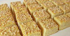 Tudd meg, hogy készül a házi Ferrero Rocher 5 hozzávalóból! Hungarian Desserts, Hungarian Recipes, Savory Muffins, Banana Bread, Bakery, Food And Drink, Cooking Recipes, Sweets, Snacks