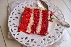 Tort Red Velvet Foarte usor de facut, si foarte gustos. Blatul este foarte gustos, iar crema de branza il completeaza perfect. Lucky Cake, Vanilla Cake, Red Velvet, Raspberry, Bacon, Fruit, Desserts, Food, Activities