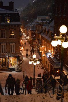 Old Quebec City - - fotografie urlaub - Winter Szenen, Winter Christmas, Xmas, Quebec City Christmas, Christmas Time, Winter Cabin, Christmas Aesthetic Wallpaper, Christmas Wallpaper, City Aesthetic