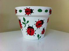 Trendy Garden Flower Posts Ideas Terra Cotta - All About Flower Pot Art, Flower Pot Design, Clay Flower Pots, Terracotta Flower Pots, Flower Pot Crafts, Painted Plant Pots, Painted Flower Pots, Painted Pebbles, Clay Pot Projects