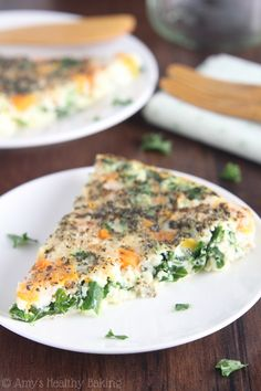 Skinny Kale & Butternut Squash Quiche -- just 6 ingredients & packed with protein! Make it over the weekend & reheat for breakfast during the week!