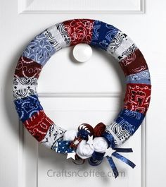 Wrap Roll Patriotic Wreath is an easy July craft. Designed by Patty Schaffer. You can also use colored ribbon and decorate it with 'yo yos' made of red, white and blue fabric. Patriotic Wreath, Patriotic Crafts, 4th Of July Wreath, Wreath Crafts, Diy Wreath, Diy Crafts, Wreath Ideas, Wreath Making, Summer Crafts