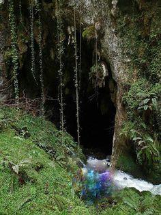 Cueva de samoreli en rales    llanes