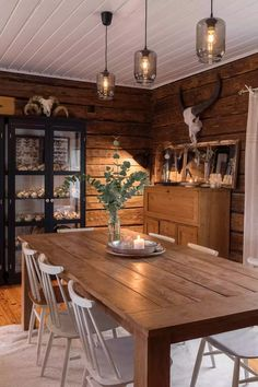 Small Tiny House, Tiny House Design, Rustic Apartment, Apartment Design, Modern Cabin Interior, Interior Garden, Interior Design, Rustic Kitchen Tables, Cabin Interiors