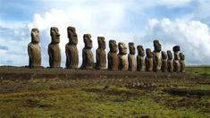 nisi-tou-pasxa-moai-statues-4-min Ancient Egyptian Art, Ancient Ruins, Ancient Artifacts, Ancient Greece, New Seven Wonders, Wonders Of The World, Bermuda Beaches, Tahiti Islands, Easter Island