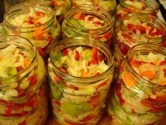 Salata de iarna Pickling Cucumbers, Romanian Food, Cooking Recipes, Healthy Recipes, I Foods, Preserves, Pickles, Food To Make, Food And Drink