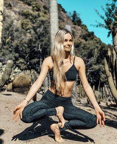 @silkymariesky is a goddess in her #aloyoga Lounge Bra & High Waist Lounge Legging