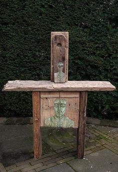 altar with faces by Jos van Wunnik, via Flickr