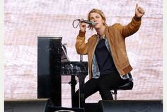 From Elton John to Tom Odell - Gloucestershire diary. Tom Odell, Theatre Shows, Toms, Singer, Concert, Singers, Concerts