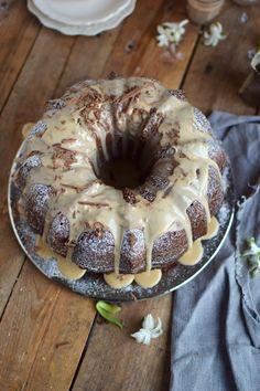 Baileys Schoko oder Eierlikör Schoko Gugelhupf Kuchen - Baileys Chocolate Bundt Cake (9) Chocolate Bundt Cake, Best Chocolate, Good Food, Yummy Food, Cake & Co, Baked Goods, Cake Recipes, Bakery, Food And Drink