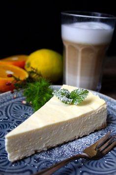 Dieser Käsekuchen aus Schmand ist super-cremig und köstlich-frisch!