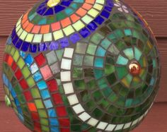 Mosaico de girasol mirada de la bola vidrio por ShellyHeissDesigns