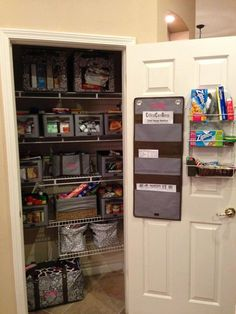 Such an awesome neat pantry organized by Thirty One solutions! Need a catalog or wanna host an online party? Contact me/ check out my website www.mythirtyone.com/sashaervin