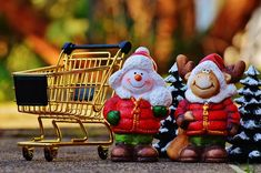 Plan a Merry Marketing with these Top Of The Lot Christmas Promotional Ideas Christmas Shopping Online, Online Shopping, Shopping Shopping, Advent, Der Handel, Work From Home Business, Online Business, Business Marketing, Merry Christmas
