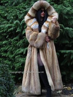 Huge FULL PELT hood with fur inside. Platinum printed satin lining. The coat will look great on Fit- Comfortable/loose. Pinup Dress, Smoking, Winter Fashion 2015, Coats For Women, Clothes For Women, Discount Womens Clothing, Sewing Coat, Fabulous Furs, Fox Fur Coat