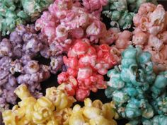 Jello popcorn balls and other sweet popcorn recipes. The grandkids are going to love these! Jello Popcorn, Popcorn Kernels, Popcorn Snacks, Candy Popcorn, Popcorn Balls, Flavored Popcorn, Popcorn Recipes, Snack Recipes, Pudding Recipes