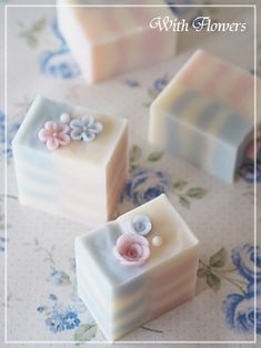 design in the tall half-mold | handmade With Flowers