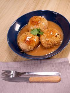 Paupiettes de veau : Recette de Paupiettes de veau - Marmiton Batch Cooking, Pretzel Bites, Baked Potato, Food And Drink, Nutrition, Chicken, Ethnic Recipes, Hui, Parsley