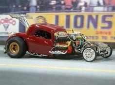 Nice photography work. Alredfed drag racing model diorama.