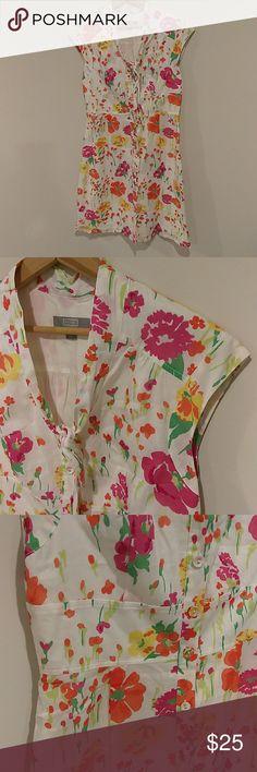 "💮 Retro Style Floral Dress Sz 6 💮 💮 Retro Style Floral Dress Sz 6 💮  💮CUTEST DRESS EVER!!! 💮Lightweight button down sleeveless dress 💮Total Length 36.5"" Merona Dresses"