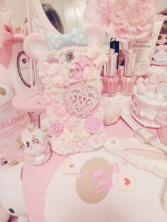 Shared by アンジェラ. Find images and videos about cute, pink and kawaii on We Heart It - the app to get lost in what you love. Kawaii Phone Case, Cute Phone Cases, All Things Cute, Girly Things, Girly Stuff, Cute Pink, Pretty In Pink, Stencil Stickers, Kawaii Room