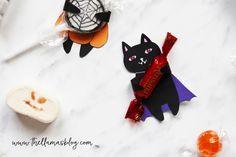 SPOOKY CATS - HALLOWEEN GIFT TAGS *FREE PRINTABLE* // www.thellamasblog.com Halloween Cat, Halloween Gifts, Halloween Ideas, Free Printable Gift Tags, Free Printables, Llamas, Treats, Christmas Ornaments, Holiday Decor