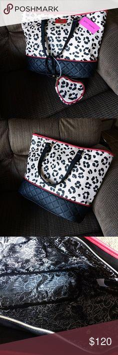 Betsey Cheetah Tote Large bag with cheetah pattern Betsey Johnson Bags