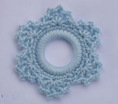 Whiskers & Wool: Lacy Snowflake Ring Ornament..this would be pretty as earrings or pendant...FREE PATTERN!