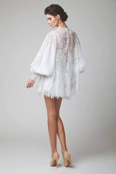 SS 2015 – Couture ‹ Elio Abou Fayssal I would wear with pair of sheer crepe pants Haute Couture Style, Couture Mode, Couture Fashion, Ny Dress, Lace Dress, White Dress, Bridal Collection, Dress Collection, Pretty Dresses