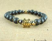 Bracelet shamballa ethnique Tibétain hématite mat et tortue : Bracelet par lounah-bijoux