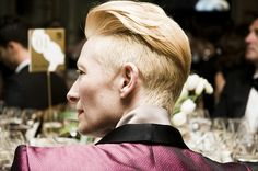 Tilda Swinton  http://cesarsegarra.blogspot.com/2011/11/dinner-with-tilda.html