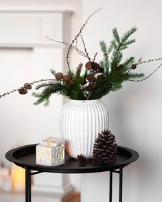 Christmas is here . 🌲 ~ By the way, the only vase that will not die after a while . - Z přírody do vázy - Boho Bedding Ikea Entryway, Small Living Rooms, Cozy Living, Boho Bedding, Wood Painting Art, Boho Kitchen, Bohemian Style Bedrooms, Gothic Accessories, Country Furniture