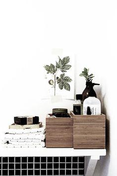 Le bois est un élément essentiel en décoration. On le retrouve partout : même dans les salles de bains !